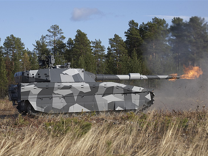 CV90120 live firing