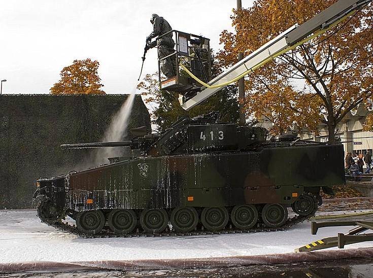 CV90 at Thun