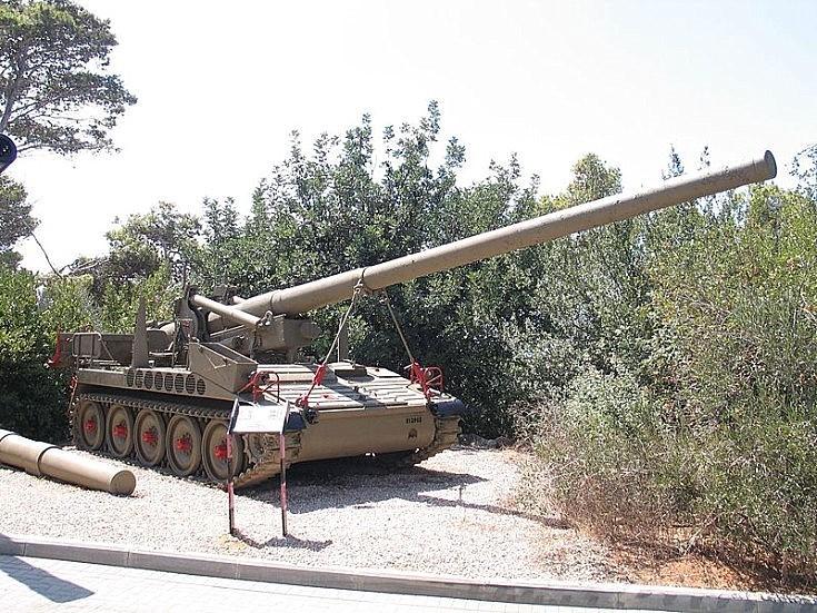 M107 on display in Israel