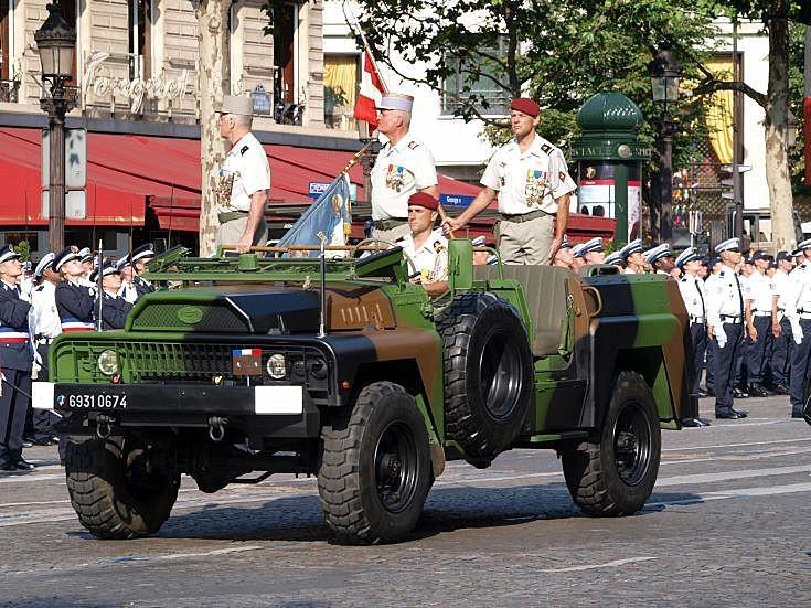 ACMAT VLRA on parade