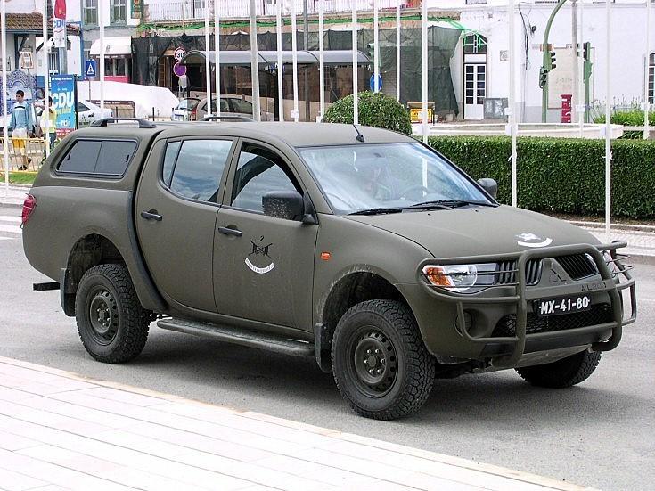 Military Mitsubishi L200