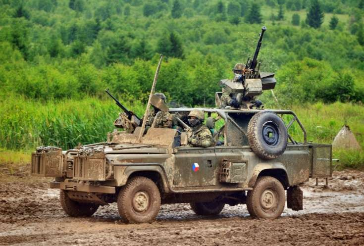 Czech Land-Rover Armoured 4 - Caiman