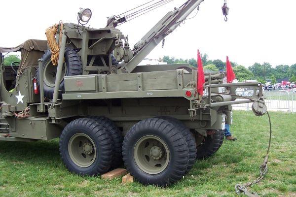 M1A1 wrecker w Gar-Wood US5G crane