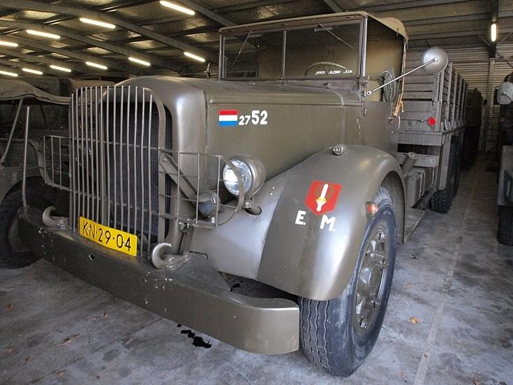 Mack NR Army truck KN-29-04